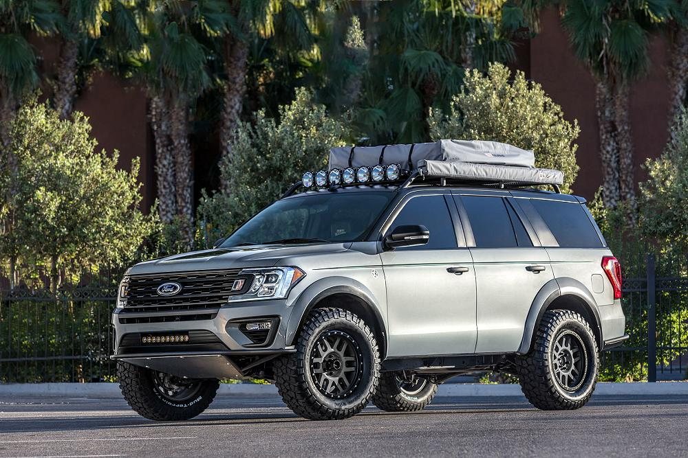 Built by LGE-CTS Motorsports this 2018 Ford Expedition features custom fender flares in order to fit 35-inch (LT325/60R20) BF Goodrich Mud-Terrains ... & 2018 Ford Expedition Adventurer u2013 Blue Oval Trucks