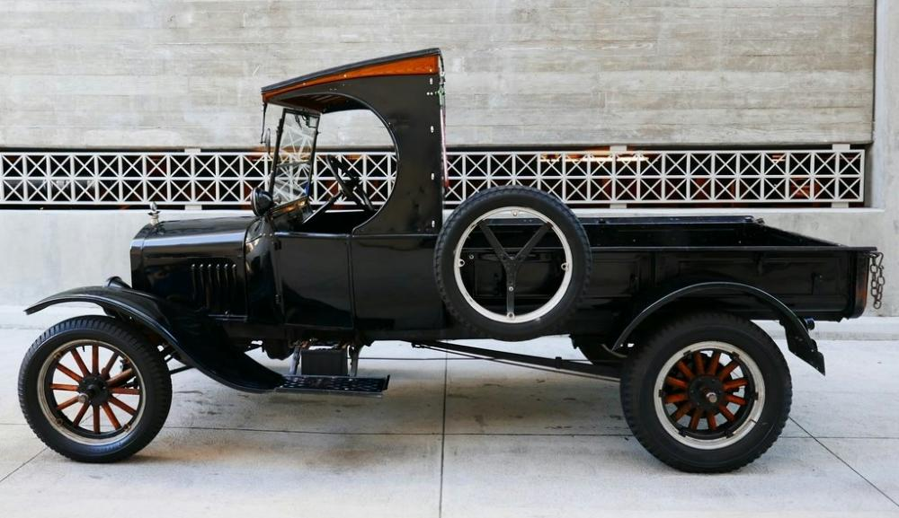 (1924 ford model tt c-cab)